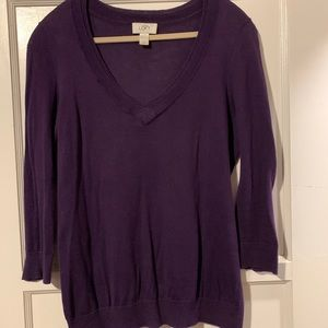 Small V neck 3/4 sleeve sweater in dark purple